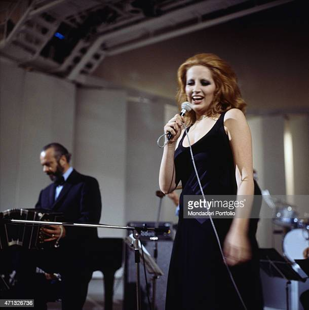 Italian singer Mina performing in the TV variety show Teatro 10 Italy 1972