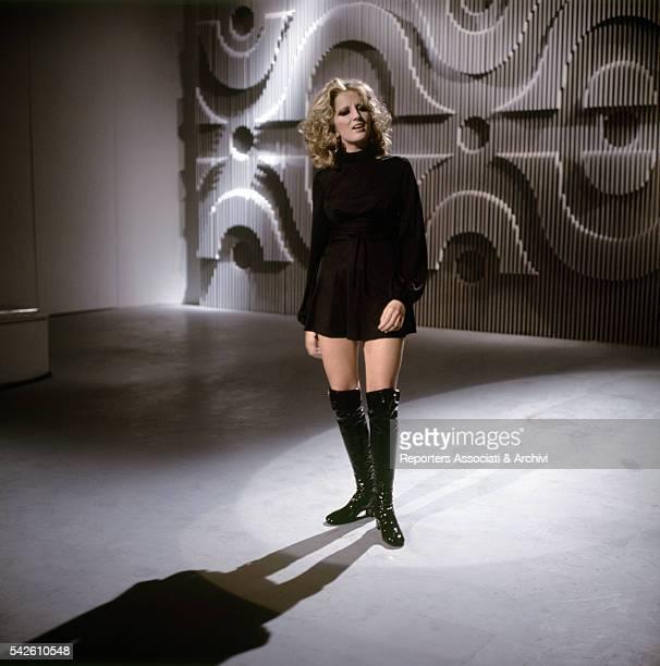 Italian singer Mina singing in TV show Ieri e oggi 1969