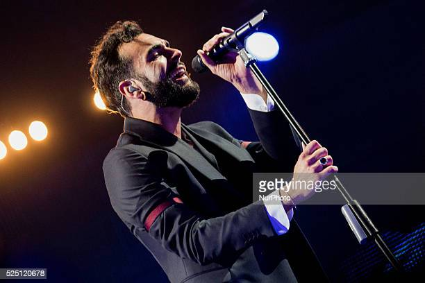 Italian singer songwriter Marco Mengoni performed live in a sold out concert at Pala Alpitour His latest album entitled quotParole in circoloquot...
