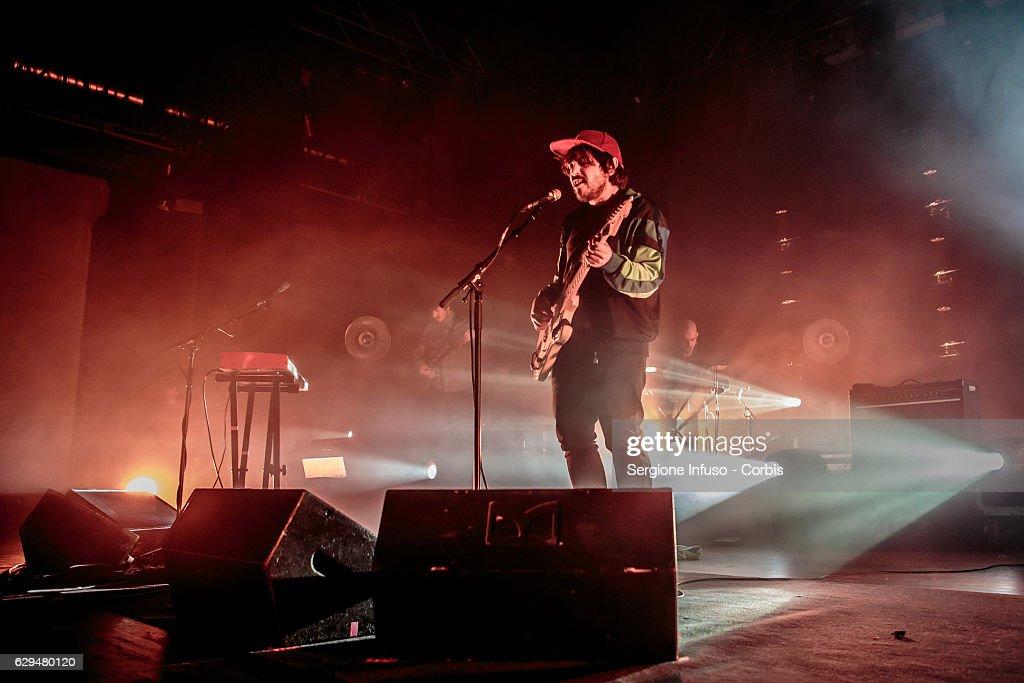 Calcutta Performs In Milan : Nachrichtenfoto