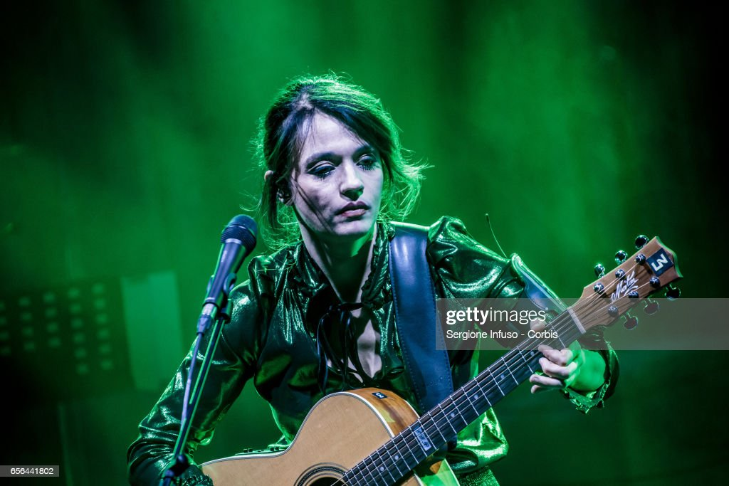 Italian singer-songwriter Carmen Consoli performs on stage on March 21, 2017 in Milan, Italy.
