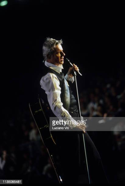 Italian singer-songwriter Claudio Baglioni performing at the Olympic Stadium in Rome, Italy, June 20, 2009. 'Corale per il popolo d'Abruzzo', benefit...