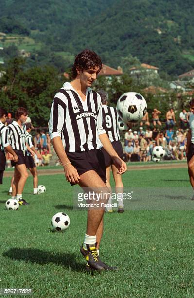 Italian soccer player Paolo Rossi in training.