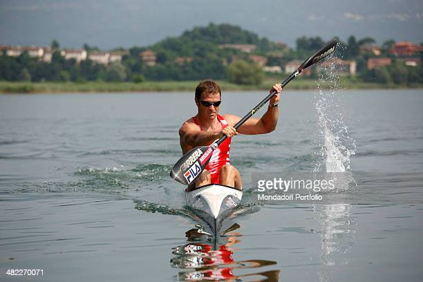 Italian sprint canoer Antonio Rossi trains on the lake of Pusiano Province of Lecco Italy 2008