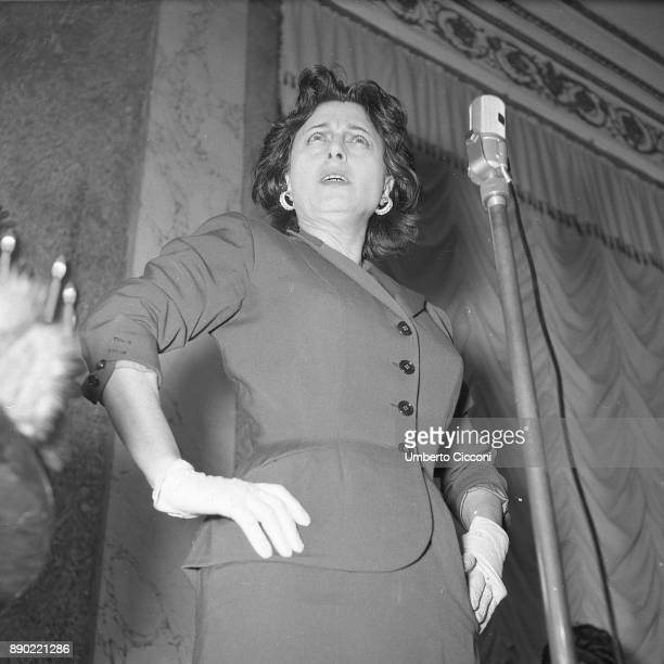 Italian stage and film actress Anna Magnani celebrates at the 'Excelsior Hotel' for having received the 'Viola D'oro' Rome 1956