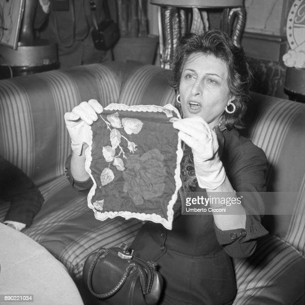 Italian stage and film actress Anna Magnani jokes at the press conference organised for her for winning the Oscar Excelsior Hotel Rome 1956