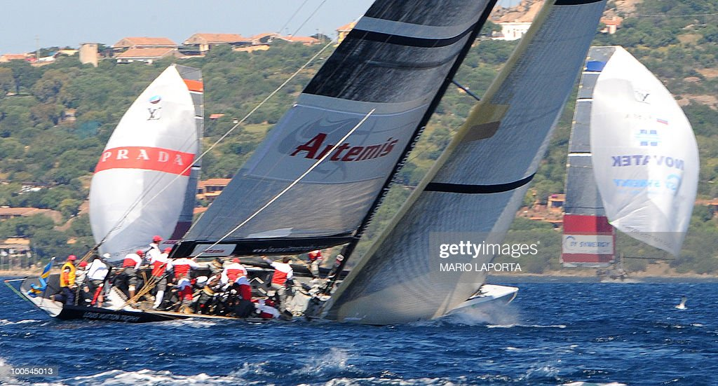 Italian Team Luna Rossa sails during a match race regatta against Russian Sinergy Sailing Team at the Louis Vuitton Trophy on May 25, 2010 at La Maddalena island in Sardinia. Ten teams battle it out over a two-week regatta begun on May 22 until June 6, 2010.