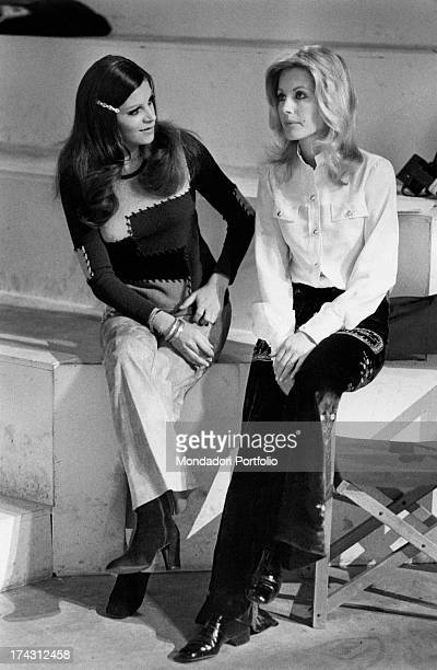 Italian television presenter and actress Gabriella Farinon and Italian singer and actress Milva sitting on the set of the TV broadcast Mai di sabato...