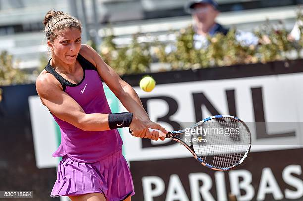 Italian tennis player Sara Errani during the WTA match Errani returns the ball to british tennis player Heather Watson during the WTA match Errani vs...