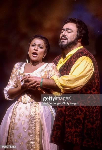 Italian tenor Luciano Pavarotti performs with American soprano Kathleen Battle in the Metropolitan Opera/John Copley production of 'l'Elisir d'Amore'...