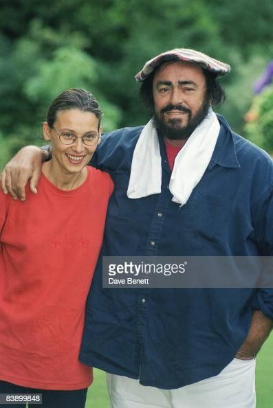 Italian tenor luciano pavarotti with his girlfriend for Luciano pavarotti nicoletta mantovani