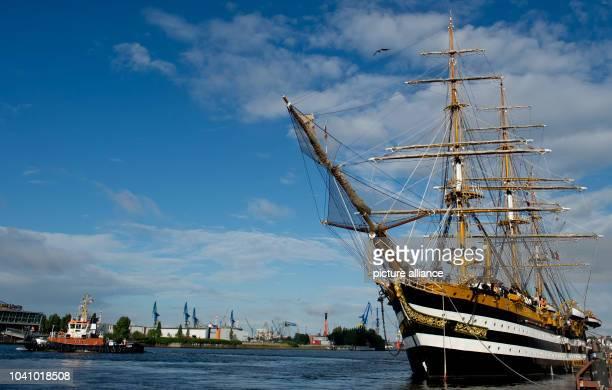 Italian training sail ship 'AmerigoVespucci' docks in the port of HamburgGermany 14 August 2013 PhotoSVENHOPPE | usage worldwide