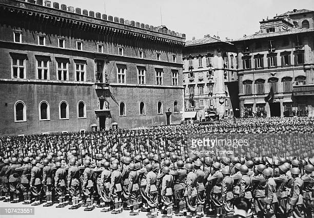 Italian Troops At Istituto Luce In Rome