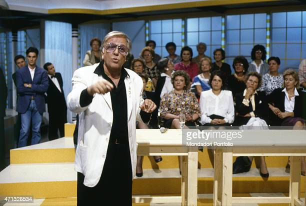 Italian TV host and commentator Gianfranco Funari presenting an episode of the show Mezzogiorno Çù Italy 1987