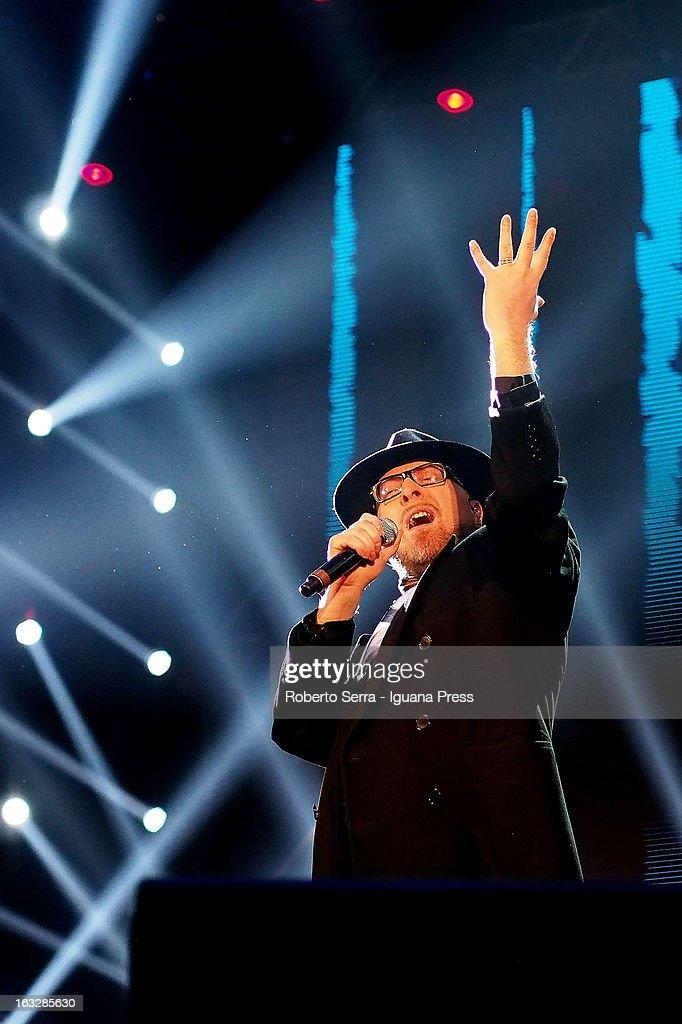 Italian vocalist Mario Biondi performs the Lucio Dalla Tribute at Piazza Maggiore on March 4, 2013 in Bologna, Italy.