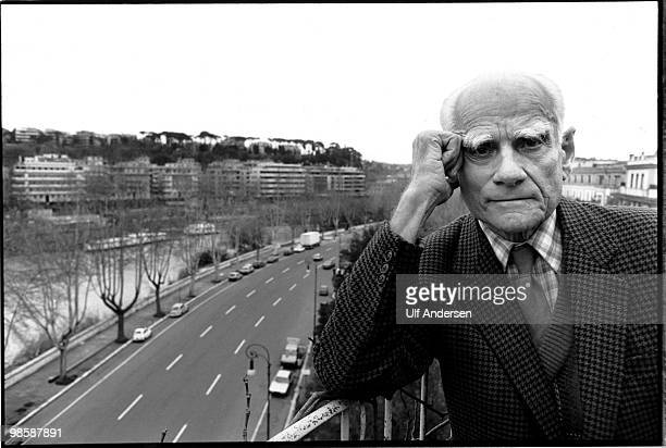 ROME ITALY APRIL 16 Italian writer Alberto Moravia poses during a portrait session in on April 161979 in Rome Italy