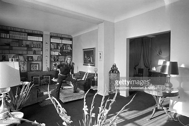 Italianborn French actress and singer Dalida posing in the living room her house Paris 1968