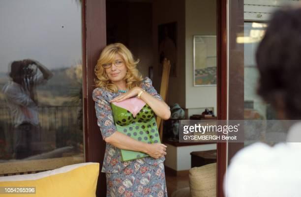 Italie Septembre 1983 Rendezvous avec l'actrice Monica VITTI et son compagnon le réalisateur Roberto RUSSO lors du tournage de leur film 'Flirt' où...