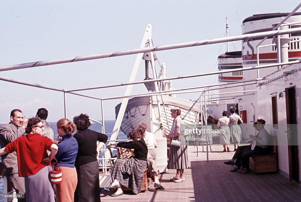 Italien, ca. 1958, Passagierschiff : Photo d'actualité