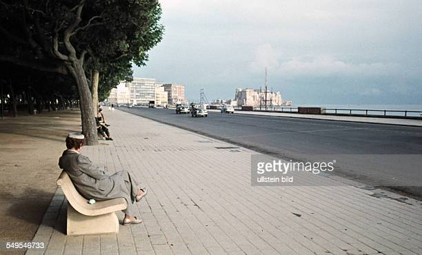 Italien ca 1958 Promenade in Neapel