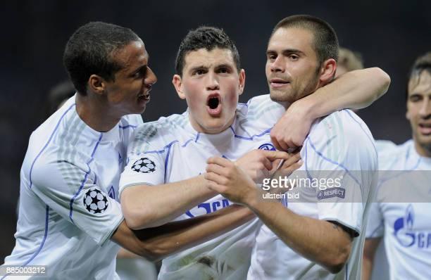 Italien Lombardei Mailand UEFA Champions League Saison 2010/2011 ViertelfinalHinspiel Inter Mailand FC Schalke 04 25 Schalkes Edu jubelt mit seinen...