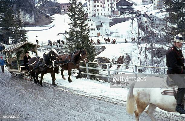 Italien Schlittenfahrt in Südtirol Dolomiten