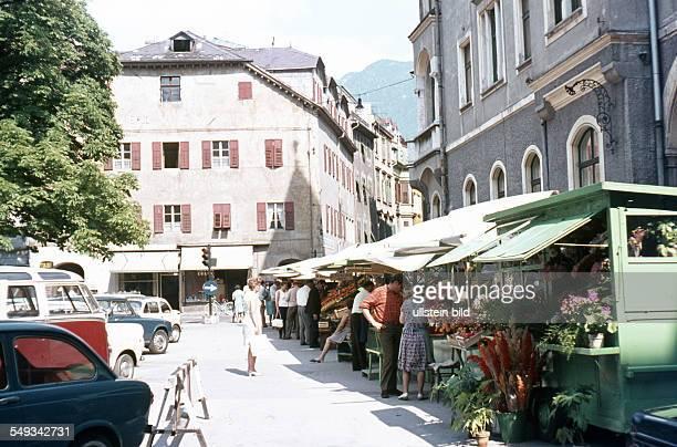 Italien Südtirol Meran Marktstände