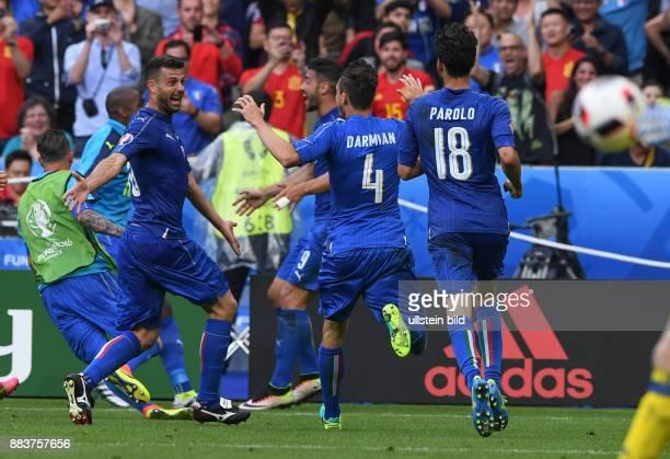FUSSBALL Italien Spanien Pablo Osvaldo Matteo Darmian und Riccardo Montolivo jubeln nach dem 20