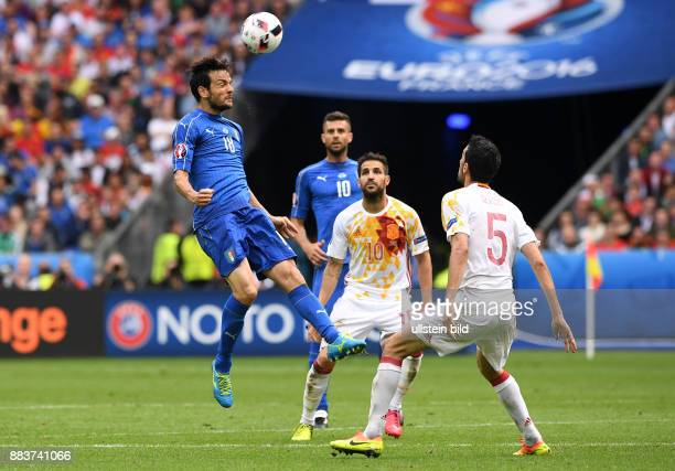 FUSSBALL Italien Spanien Riccardo Montolivo gegen Cesc Fabregas und Sergio Busquets