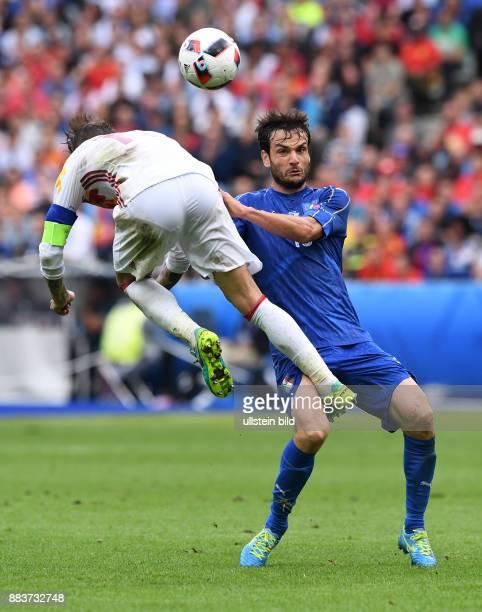 FUSSBALL Italien Spanien Sergio Ramos gegen Riccardo Montolivo