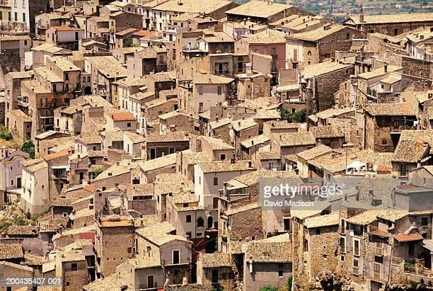 italy, abruzzi, aquila, pacentro, cityscape, elevated view - ラクイラ ストックフォトと画像