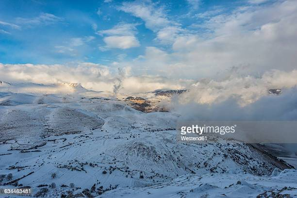 Italy, Abruzzo, Gran Sasso e Monti della Laga National Park, the town of Castel del Monte in winter