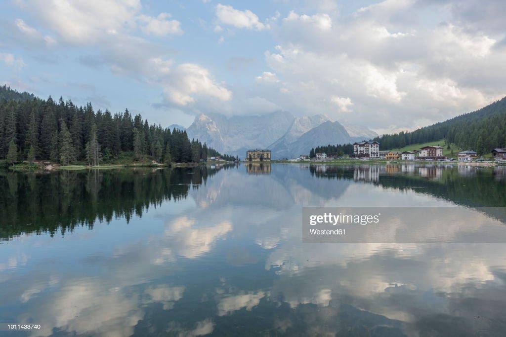 Italy, Alps, Dolomites, Lake Misurina : ストックフォト