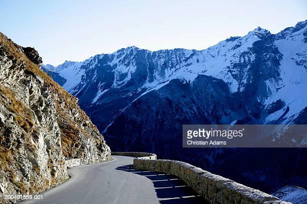 Italy, Alps, Stelvio Pass, mountain road