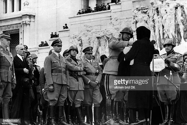 Italy Anniversary 'Marsch auf Rom' 15 Anniversary in front of the monument of the 'Unbekannten Soldaten' in Rome Head of State Benito Mussolini...