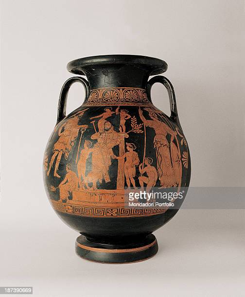 Italy Basilicata Policoro Museo della Sibaritide All Front view of a redfigured Panathenaic amphora The Attic ceramic has an offset ring base a...