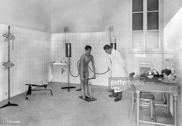 Italy bologna littorial doctor's surgery dinamometry 1930