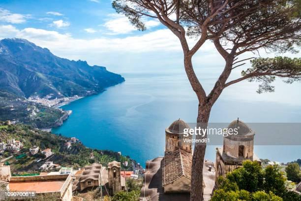 italy, campania, amalfi coast, ravello, view of amalfi coast with santa maria delle grazie church facing mediterranean sea - アマルフィ海岸 ストックフォトと画像