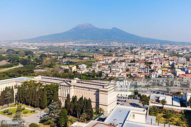 Italy, Campania, Pompeii, Mt Vesuvius with townscape in foreground