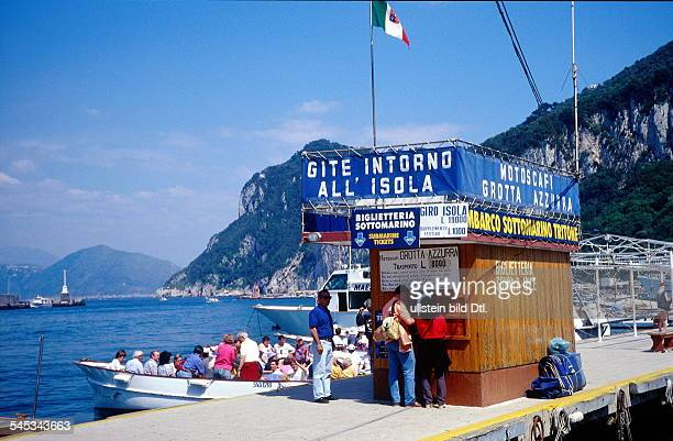 Italy - Capri: Harbour Marina Grande: Boat gate to famous Blue Grotto