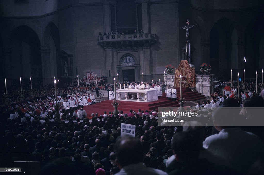 Christmas Mass With Paul Vi In Florence : News Photo