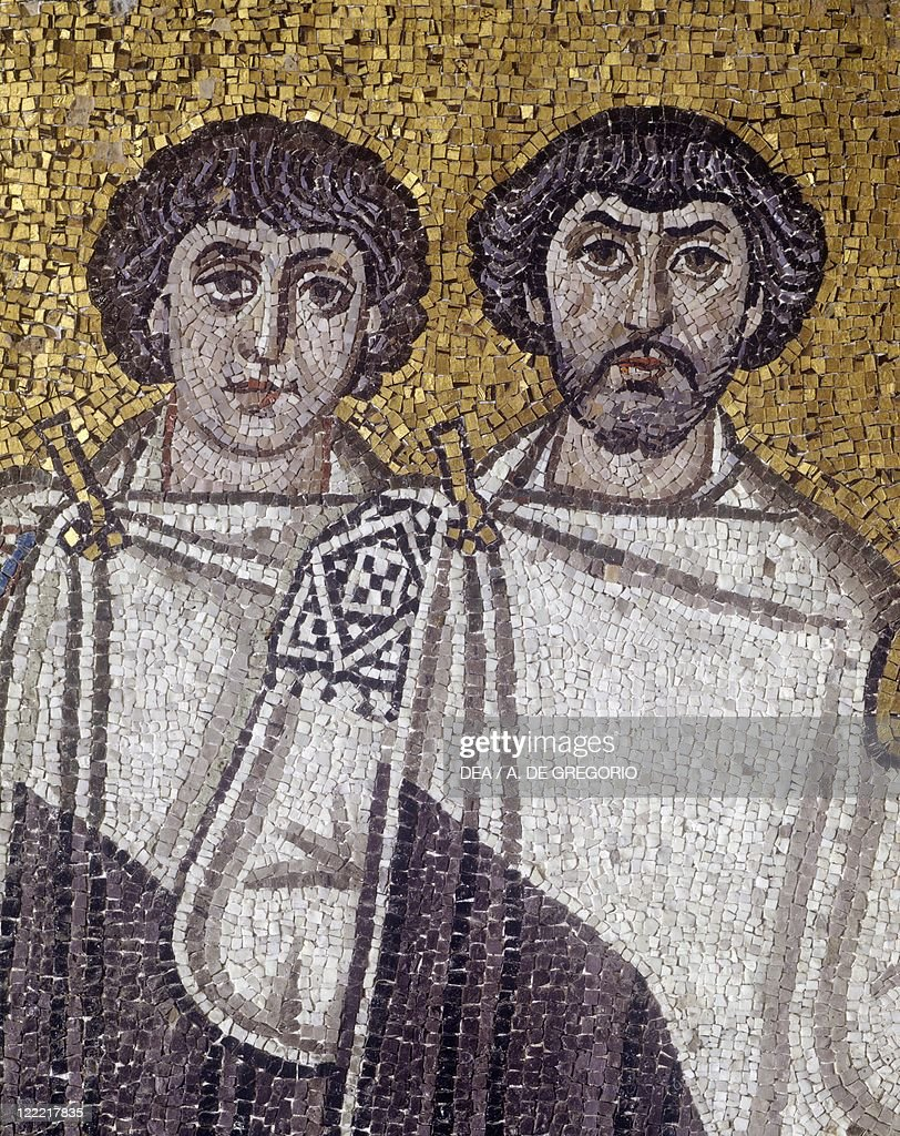 Italy, Emilia Romagna region, Ravenna, Basilica of San Vitale, Presbytery, Apsidal Byzantine mosaic. Detail with the Emperor Justinian and his retinue : News Photo