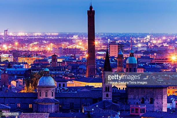 italy, emilia-romagna, bologna, asinelli tower at night - bologna stock pictures, royalty-free photos & images