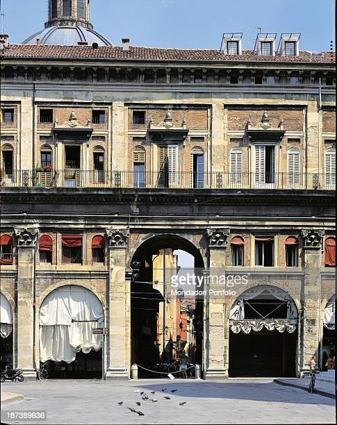 Italy EmiliaRomagna Bologna Portico dei Banchi Detail The portico on via Clavature with pilasters and arches