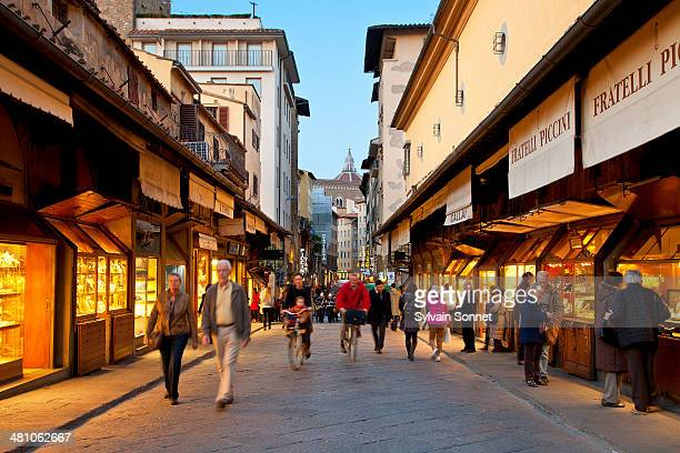 italy, florence,  jeweller's shop on ponte vecchio - florence italy stock pictures, royalty-free photos & images