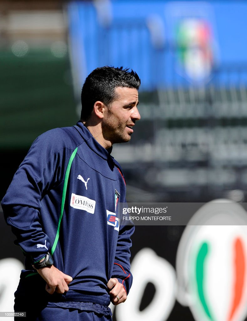 Italy forward Antonio Di Natalea takes part in a training session in Sestriere on May 25, 2010. The Italian squad started their preparations in the Alpine resort of Sestriere before departing for the FIFA World Cup 2010 in South Africa. AFP PHOTO / Filippo MONTEFORTE