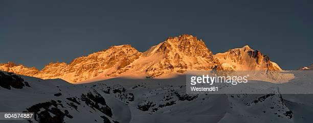 italy, gran paradiso, mountainscape - parco nazionale del gran paradiso foto e immagini stock