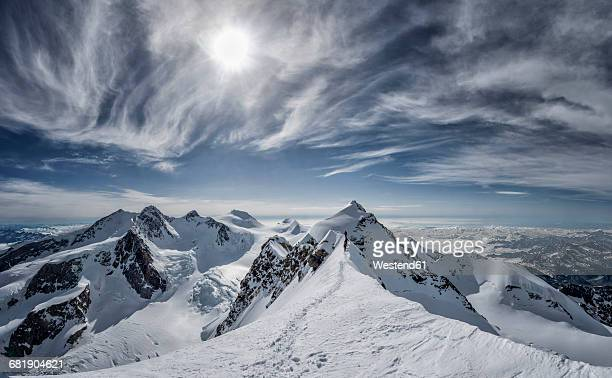 italy, gressoney, alps, lyskamm and mont rosa, mountaineers - monte rosa foto e immagini stock