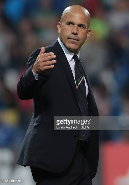 Italy head coach Luigi Di Biagio gestures during the 2019 UEFA U-21 Group A match between Belgium and Italy at Stadio Citta del Tricolore on June 22,...