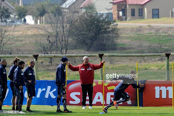 Italy head coach Marcello Lippi Giorgio Chiellini and Fabio Cannavaro during the Italy Training on June 10 2010 in Centurion South Africa